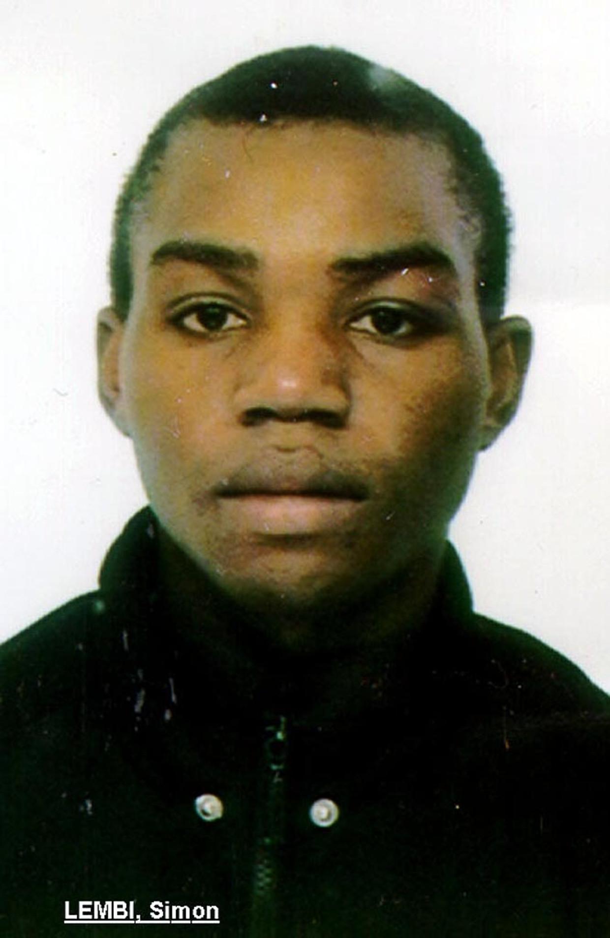 De foto van Simon Lembi die sinds 1999 werd verspreid in opsporingsberichten. De Angolees was pas veertien toen hij verdween. Beeld BELGA