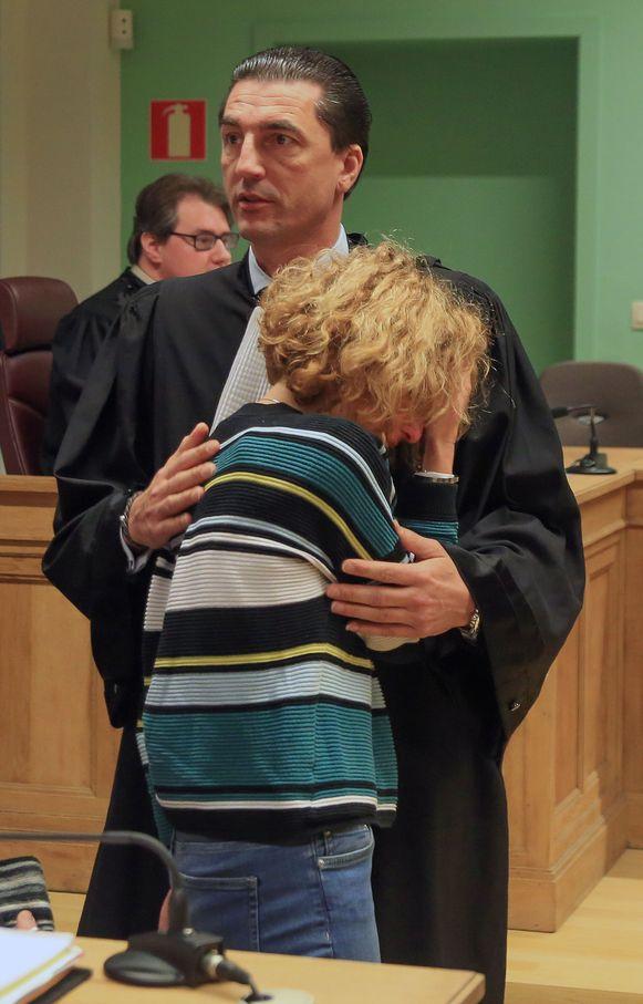 De moeder was zwaar aangeslagen na de uitspraak in eerste aanleg en zocht troost bij meester Kris Luyckx.