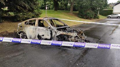 Auto brandt volledig uit om 4 uur 's nachts