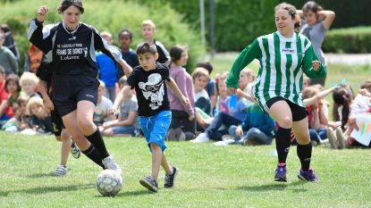 School heeft eigen Spoelekampioenschap voetbal