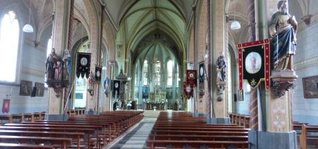 Kerk Graauw wordt leeggehaald om vochtschade te voorkomen