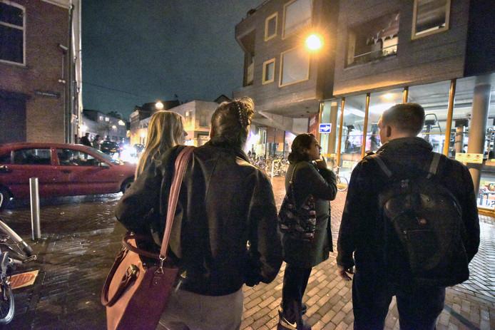 Nederland, Nijmegen, 24-10-2017Raadslid, bewoners en ondernemers uit de buurt bekijken de situatie Vlaamse Gas en 2e Walstraat. Uitlegtocht.Foto: Flip FranssenDG foto editie Nijmegen181222
