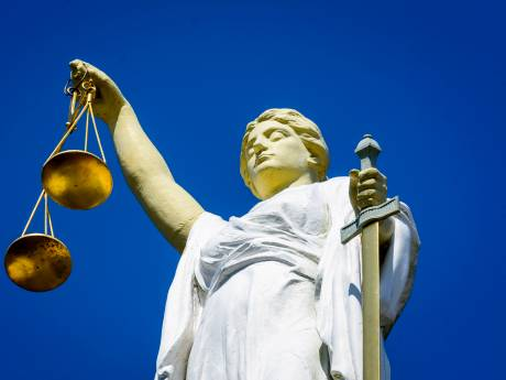 Tbs en 3 jaar cel geëist tegen man die vrouw in haar woning verkrachtte