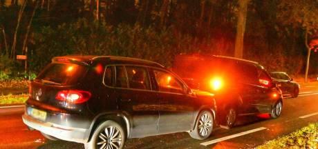 Botsing tussen drie auto's op N69 bij Waalre