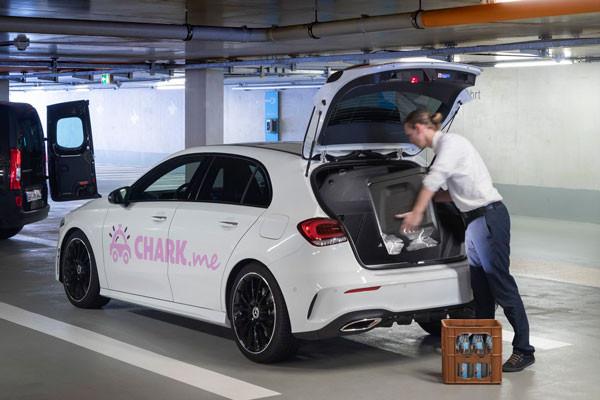 Met 'Chark' kun je pakketjes laten afleveren in je geparkeerde Mercedes