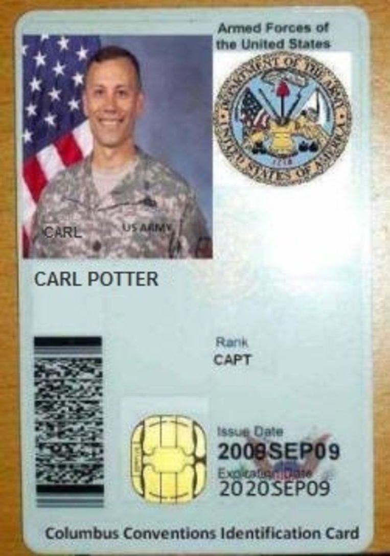 Een scan van militaire ID-kaart van 'Carl Potter'. Beeld