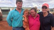 """Matilda (3) levend gevonden na overstromingen Australië: """"Hondje bleef haar beschermen"""""""