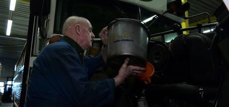 Hendrik is 81 en automonteur: 'Alleen uitkijken dat ik geen heup breek'
