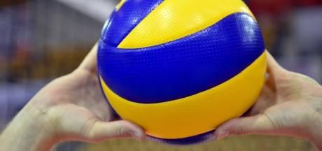 Alle scholieren volleyballen in West Maas en Waal
