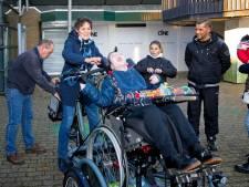 Dankzij inzamelactie kan gehandicapte Gitano nu eindelijk fietsen