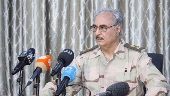 Momenteel blijven in Libië gevechten gaande tussen de troepen van generaal Khalifa (foto) en islamitische milities.