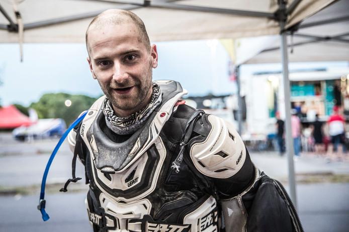 Aan het einde van de Dakar zat Maikel Smits er best doorheen. Gelukkig voor hem verliep de dertiende etappe vlekkeloos waardoor hij de Dakar afsloot met een goed gevoel.