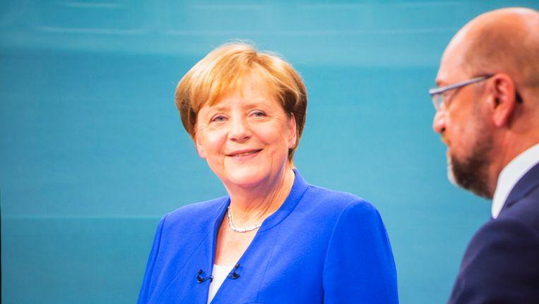 """Angela Merkel en Martin Schulz tijdens het televisiedebat. Volgens waarnemers is het de """"saaiste verkiezingscampagne in jaren."""""""