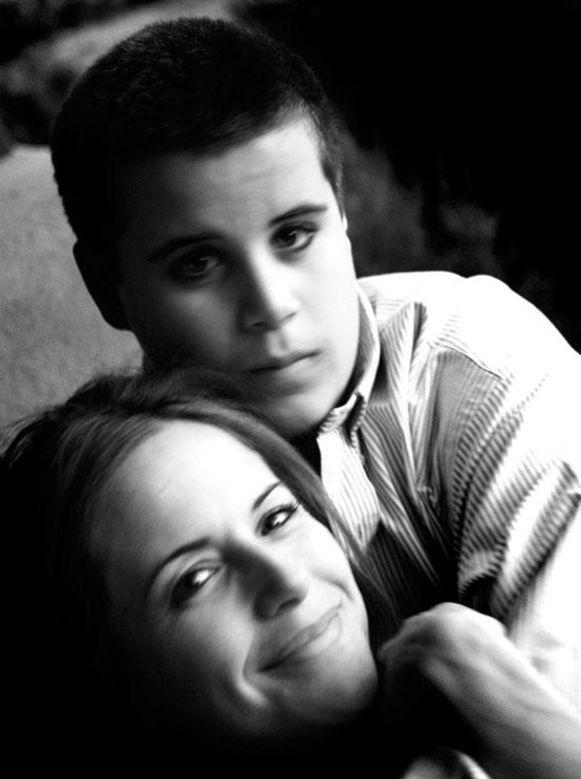 Jett Travolta met zijn moeder, Kelly Preston.
