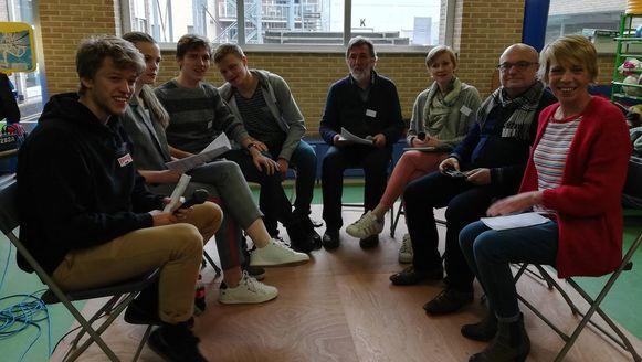 Lokale politici gingen over het klimaat in debat met de leerlingen.