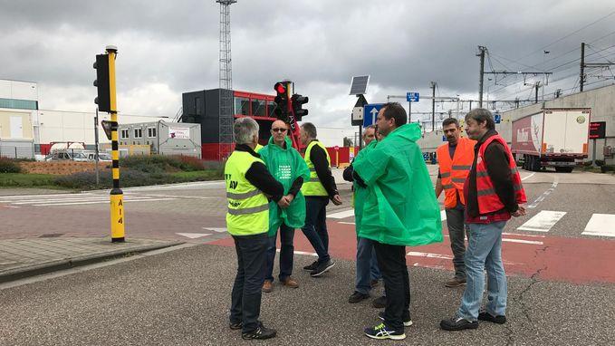 Vakbonden blokkeren poorten bij AB InBev