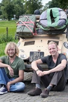 Deze Achterhoekers trokken in een stokoud Fiatje door de Sahara