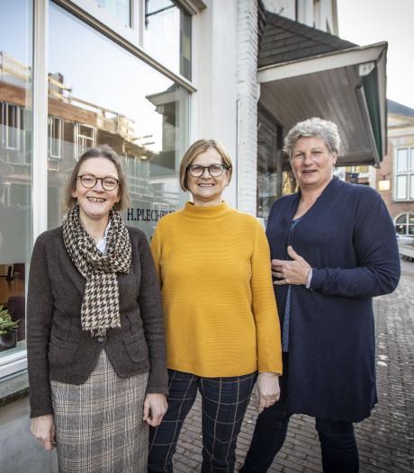 Parochiecentrum met inloop aan Kerkstraat in Oldenzaal