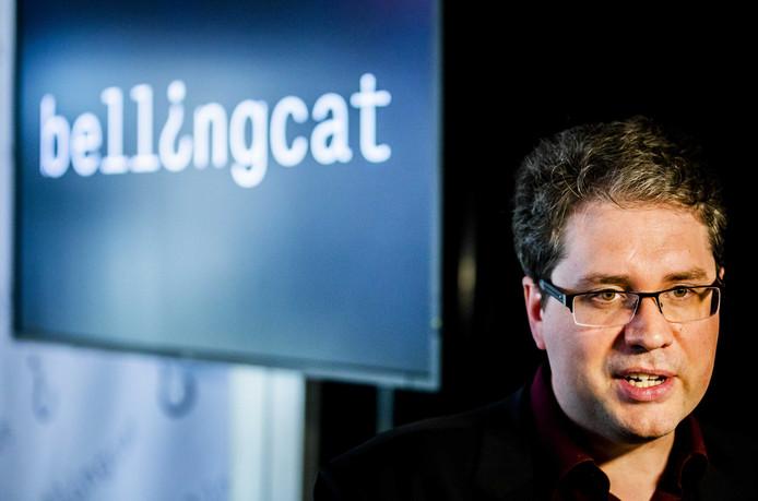 Eliot Higgins van onderzoeksorganisatie Bellingcat tijdens een persconferentie over bevindingen in het onderzoek naar MH17.