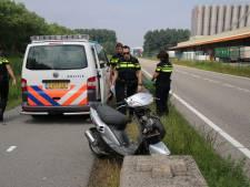 Scooterrijder ernstig gewond bij eenzijdig ongeval in Hoek