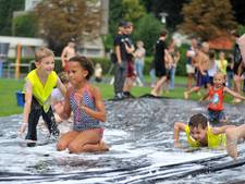 Tientallen kinderen op waterkermis Renkum