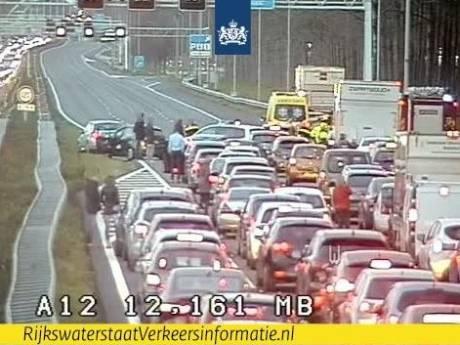 File na file op A12 naar Den Haag door ongelukken