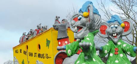 Carnavalsstoet Aardenburg live in zorgcentra