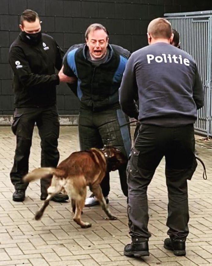 Het gezicht van Bart De Wever laat weinig aan de verbeelding over.
