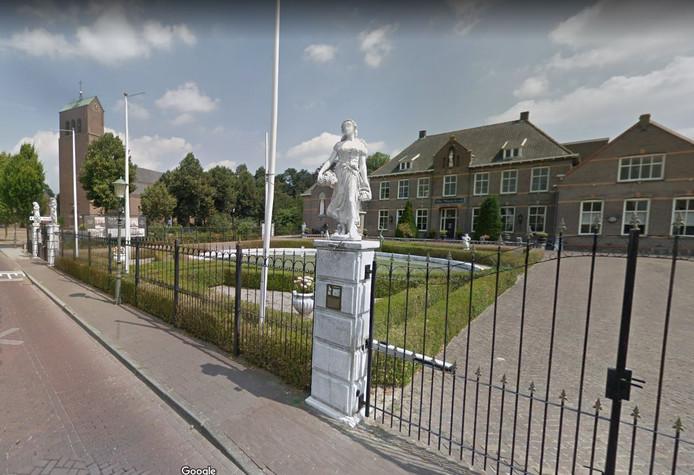 Het voorplein van Villa Maasdonk is onder meer de plek voor de Nulandse kerstfair op 14 december.
