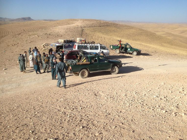 De bus na de aanval door de Taliban. Beeld