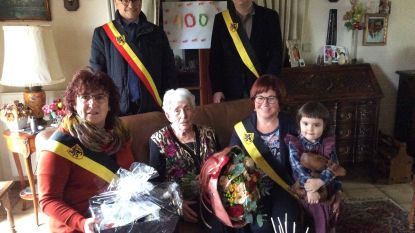Denise Mason viert 100ste verjaardag