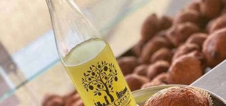 Dat is smullen: Rotterdamse gebakkraam combineert oliebol met limoncello