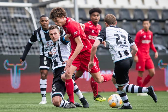 Mats Wieffer speelt zijn wedstrijden dit seizoen in het tweede elftal.