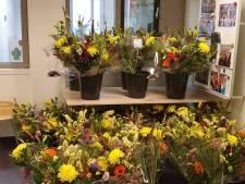 Tevreden patiënt stuurt ziekenhuis SKB 1400 bossen bloemen: 'Wij zijn sprakeloos'