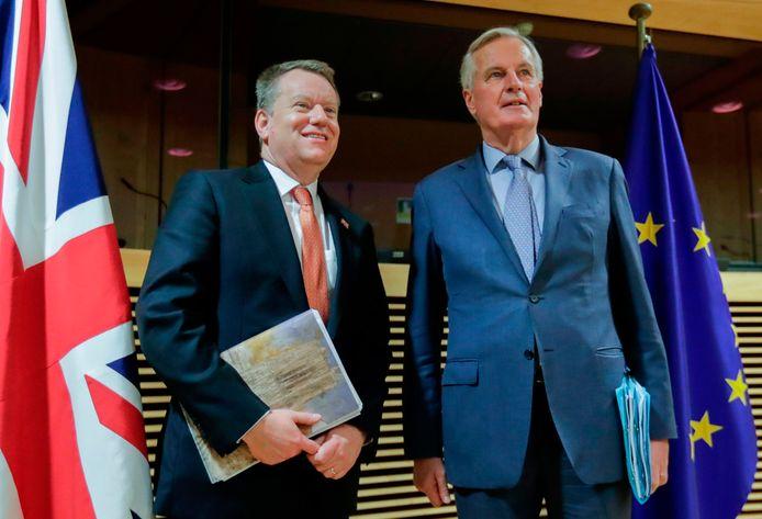 David Frost (links) en Michel Barnier, de twee hoofdonderhandelaars over de toekomstige relatie tussen de EU en het Verenigd Koninkrijk poseerden begin maart nog samen.