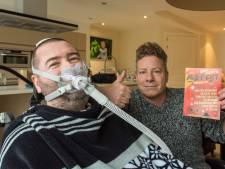 Remko Hofs (45) uit Budel-Dorplein kan door ALS alleen nog met zijn ogen spreken