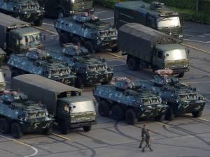 Des forces armées chinoises aperçues près de Hong Kong