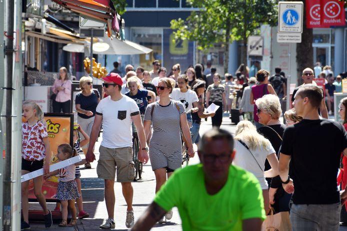 Een mondkapjesplicht in Twente komt er voorlopig niet, zegt de Veiligheidsregio.