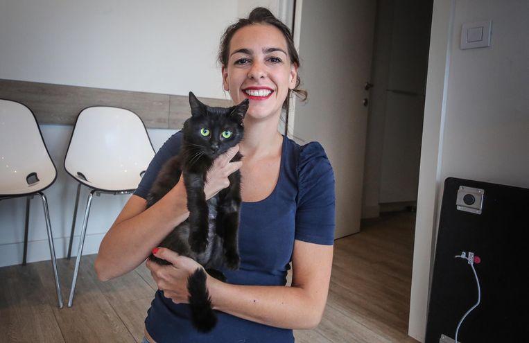 Dierenarts Valérie Huvaere, op een vroegere foto met Sprotje