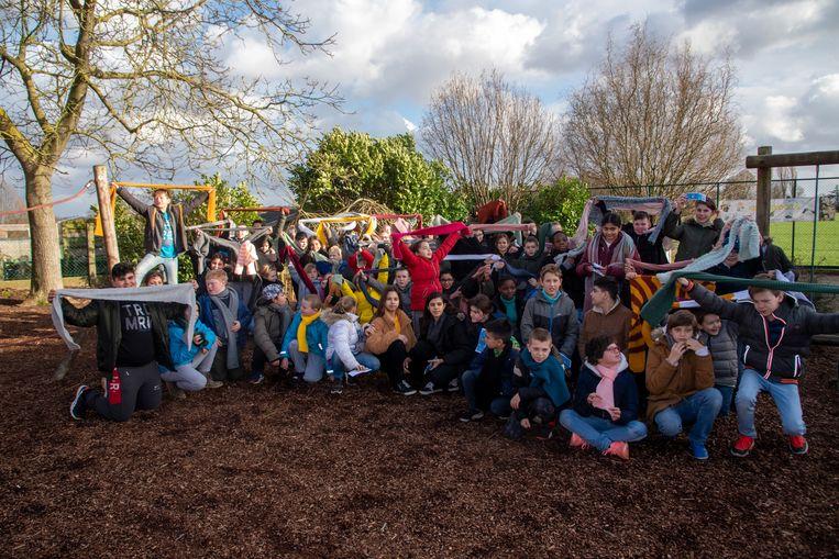 Dikke sjaals op Dikke Truien Dag voor alle leerlingen van De Meiroos.