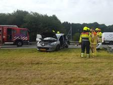 Bestelbus rijdt in op file op A73 bij Nijmegen