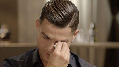 """Ronaldo breekt bij unieke beelden overleden vader: """"Ik wist niet dat hij zó trots op me was"""""""