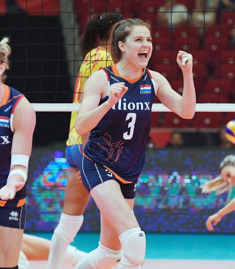 Volleybalsters draaien warm bij EK met simpele zege op Roemenië