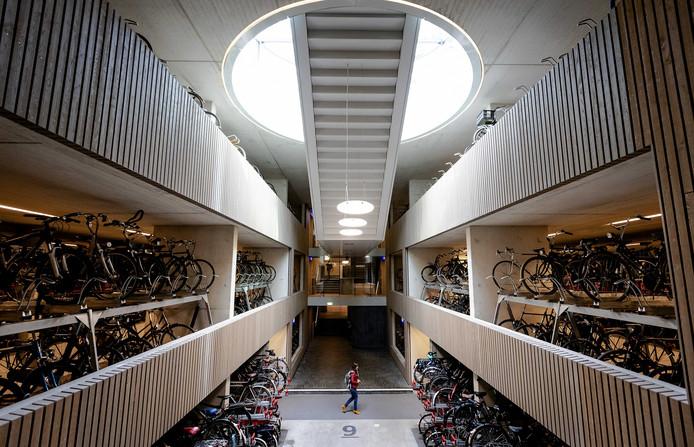 Stationspleinstalling is de grootste fietsenstalling van Europa en mogelijk zelfs ter wereld. Maar niet lang meer.