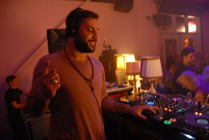 DJ Anil Aras