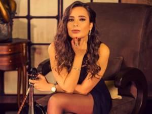 Pourquoi les cheveux de cette violoniste ont créé la polémique en Irak