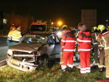 Vrouw bekneld in auto na ongeluk op Wippolderlaan