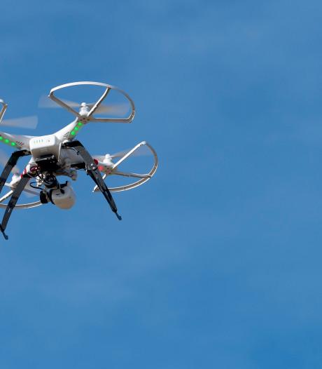 Rotterdammer (28) vrijgelaten die drugs met drone  gevangenis in wilde smokkelen