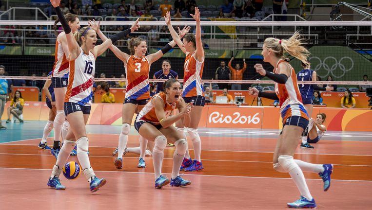 Het Nederlandse volleybalteam na hun overwinning op Italië. Beeld Ronald Hoogendoorn
