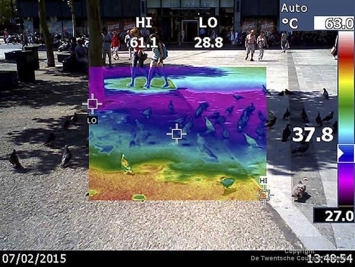 37.8 graden, vorig jaar gemeten op het beton in Enschede centrum